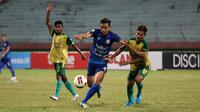 Duel Persewar vs Persija dalam laga 8 besar Liga 2 2019 di Stadion Gelora Delta, Sidoarjo (13/11/2019). (Bola.com/Aditya Wany)a