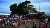Ritual di Pura Tanah Lot, Tabanan, Bali. (Yudha Maruta/Liputan6.com)