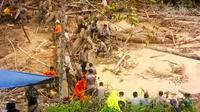 Lokasi longsor yang menimbun ayah dan anak di Desa Koto Ruang, Kabupaten Rokan Hulu. (Liputan6.com/M Syukur)