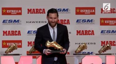 Penyerang Barcelona, Lionel Messi, menerima trofi Sepatu Emas Eropa yang kelima. Messi berhak atas penghargaan itu berkat koleksi 34 gol dari 36 pertandingan di La Liga musim lalu.