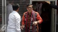 Menteri Hukum dan HAM Yasonna Laoly saat melakukan kunjungan ke Lapas Klas I Cipinang, Jakarta, Sabtu (20/8). Menkumham mengajak Para Duta besar berkunjung ke Cipinang dalam rangka Hari Kemerdekaan. (Liputan6.com/Johan Tallo)