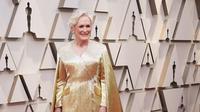 Gaun yang dipakai oleh Glenn Close terdiri dari 4 juta manik-manik dan seberat 19 kilogram. (dok. Instagram @tylerellisofficial/https://www.instagram.com/p/BuS1pdygtZ9/Esther Novita Inochi)