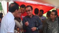 Tantowi Yahya dari Komisi I DPR RI tengah berdiskusi dengan AM Hendropriyono dan Irwan Hidayat mengenai permasalahan eceng gondok, Senin (19/12/2016)