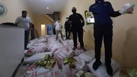 BNN sita 200 kg sabu dari gudang beras di Tangerang. (Liputan6.com/Pramita Tristiawati)