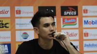 Kiper Borneo FC, Nadeo Argawinata. (Bola.com/Erwin Snaz)