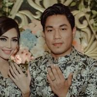 Vokalis Armada, Tsandi Rizal Adi Pradana itu akan mempersunting Monika di Solo Jawa Tengah, tempat kelahiran calon istrinya. (Instagram/monicaimas)