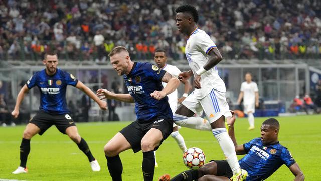 FOTO: Real Madrid Permalukan Inter Milan di San Siro