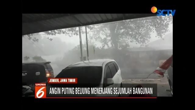 Sejumlah wilayah di Jember, Jawa Timur, porak poranda akibat diterjang angin puting beliung. Peristiwa itu mengakibatkan puluhan rumah rusak, serta sejumlah gudang roboh.