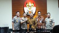Kapolri, Jenderal Pol Idham Azis bertemu dengan Ketua Komisi Pemberantasan Korupsi (KPK) Agus Rahardjo, Senin (4/11/2019). (Liputan6.com/Ady Anugrahadi)