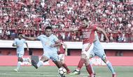 Pelatih Bali United, Widodo Cahyono Putro, menyebut anak asuhnya sempat kehilangan sentuhan pada babak pertama menghadapi Persela Lamongan. (Facebook/@Bali United)