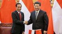 Presiden Joko Widodo dan Presiden China Xi Jinping (REUTERS/Feng Li)