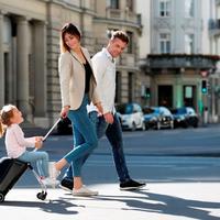 Koper sekaligus kereta anak. (Foto: Dok. Micro Eazy Luggage)