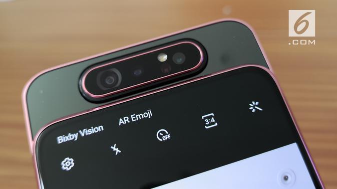Penampakan kamera putar (rotate camera) di Galaxy A80 BlackPink. (Liputan6.com/ Agustinus Mario Damar)