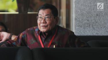 Wakil Bupati Kabupaten Mesuji Saply TH menunggu untuk menjalani pemeriksaan di Gedung KPK, Jakarta, Kamis (16/5/2019). Saply diperiksa sebagai saksi untuk tersangka Bupati Mesuji Khamami pada kasus dugaan suap terkait proyek infrastruktur di Kabupaten Mesuji TA 2018. (merdeka.com/Dwi Narwoko)