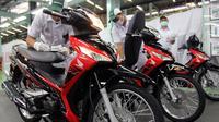 Honda Supra X 125 FI dapat strip baru (Foto: AHM)