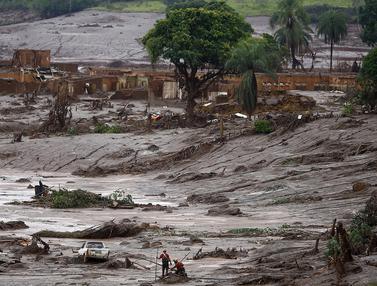 20151109-Bendungan Hancur, Ratusan Rumah Tersapu Lumpur di Brazil