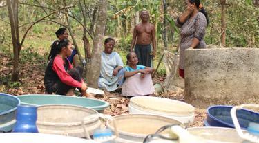 Musim Kemarau, Warga Karawang Pakai Air yang Tercemar Limbah