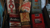 Koleksi rokok kretek lama milik kolektor Prima Mulia di Bandung (Liputan6.com / Arie Nugraha)