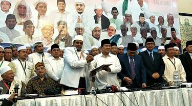 Bakal Calon Presiden Prabowo Subianto menandatangani pakta integritas Ijtima Ulama II