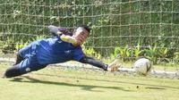 Kiper anyar Arema FC, Teguh Amiruddin. (Bola.com/Iwan Setiawan)