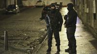 Operasi penggeledahan juga dilaksanakan malam itu di daerah Brussels.