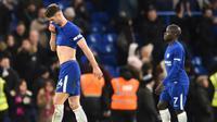 Kapten Chelsea, Gary Cahill, mengajak seluruh pemain untuk bertanggung jawab atas kekalahan 1-4 dari Watford dan sejumlah hasil buruk yang diraih tim. (AFP/Glyn Kirk)