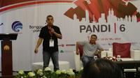 Nukman Luthfie saat berbicara dalam salah satu sesi di gelaran PANDI Meeting 6 (sumber: PANDI)