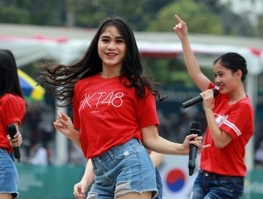 Penampilan JKT48 Hibur Penonton Panahan Asian Games 2018