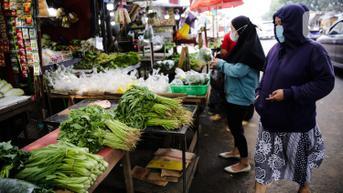 Tolak Penerapan PeduliLindungi di Pasar Rakyat, Pedagang: Beli Pulsa Saja Susah