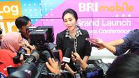 Direktur Konsumer BRI Handayani saat peluncuran BRImobile beberapa waktu lalu di Jakarta.