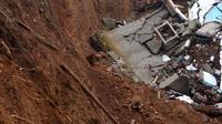 Ilustrasi – Longsor di Dusun Jatiluhur Desa Padangjaya, Majenang, Cilacap, sedikitnya merusak 24 rumah pada 2016 dan 2017. (Foto: Liputan6.com/Muhamad Ridlo)