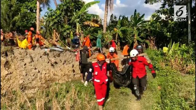 Tim gabungan kembali menemukan enam korban tewas gempa bumi di Kabupaten Sigi, Sulawesi Tengah. Satu diantaranya, diketahui bernama Icha 15 tahun sementara kelima korban lainnya, belum diketahui identitasnya.