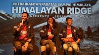 Darius Sinathrya dan Donna Agnesia baru saja menyelesaikan touring ke pegunungan Himalaya. (Khema / Liputan6.com)
