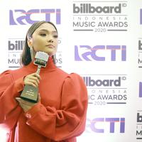 Marion Jola malam puncak Billboard Indonesia Music Awards 2020 di kawasan Kebon Jeruk Jakarta Barat, Rabu (26/2/2020). (Bambang E Ros/Fimela.com)
