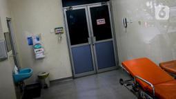 Suasana ruangan isolasi milik Rumah Sakit (RS) Persahabatan di Jakarta Timur, Jumat (31/1/2020). Selain RS Persahabatan, ada dua rumah sakit lain di Jakarta yang dipersiapkan untuk menghadapi kasus virus corona, yakni RSPAD Gatot Soebroto dan RSPI Sulianti Saroso. (Liputan6.com/Faizal Fanani)