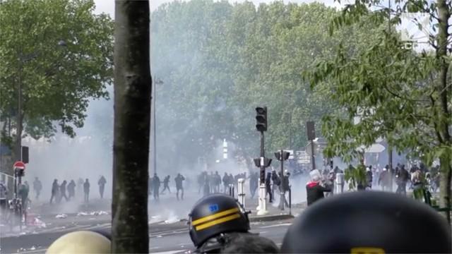 Peringatan Hari Buruh di Paris, Prancis berakhir rusuh.