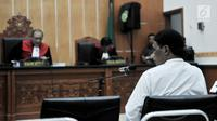 Terdakwa Hercules Rosario Marshal saat menjalani sidang perdana di PN Jakarta Barat, Rabu (16/1). Hercules ditangkap di kediamannya di Kebon Jeruk, Jakarta Barat. (Merdeka.com/Iqbal Nugroho)