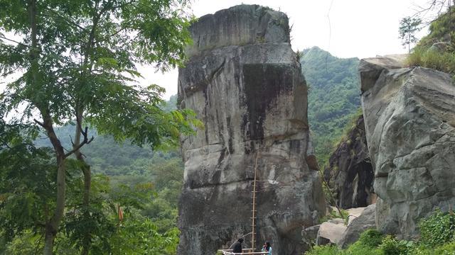 Selamat Pagi Dari Tebing Batu Lawang Cirebon Regional