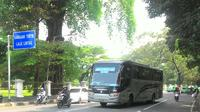 Pemerintah Kota Bogor akan mengalihkan rute Bus Damri Bandara Soekarno Hatta tujuan Bogor Pulang Pergi melalui Tol Lingkar Bogor atau Bogor Outer Ring Road (BORR). (Liputan6.com/Achmad Sudarno)