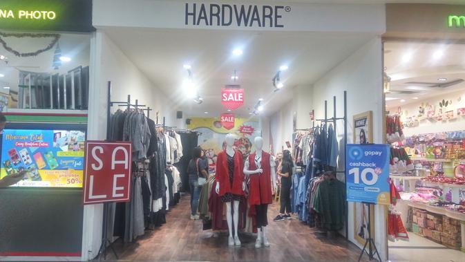 Hardware Clothing melakukan aksi sosial di Yogyakarta melalui renovasi rumah tidak layak. (Liputan6.com/ Switzy Sabandar)
