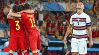 Timnas Portugal menyerah 0-1 lewat sepakan keras pemain Belgia, Thorgan Hazard, di menit ke-42. (Lluis Gene/Pool Photo via AP)