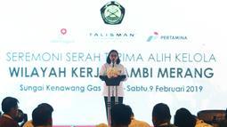 Deputi Perencanaan SKK Migas, Jafee Suardin menyampaikan sambutan saat hadir pada Seremoni Serah Terima Alih Kelola Wilayah Kerja Jambi Merang di Sungai Kenawang Gas Plant, Sumatera Selatan, Sabtu (9/2). (Liputan6.com/Helmi Fithriansyah)