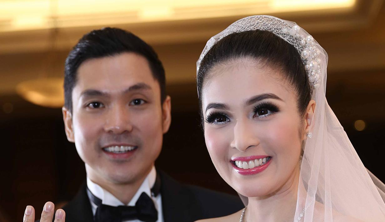 Sandra Dewi menikah dengan seorang pengusaha bernama Harvey Moeis di Gereja Katedral, Jakarta Pusat pada 8 November 2016. (Nurwahyunan/Bintang.com)