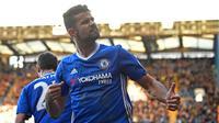 Striker Chelsea Diego Costa merayakan gol ke gawang West Bromwich Albion dalam lanjutan Premier League di Stamford Bridge, London, Minggu (11/12/2016). (AFP/Justin Tallis)