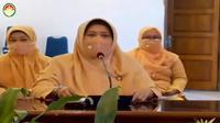 Ketua DWP Kabupaten Tuban (tengah) ketika memberikan sambutan. (Liputan6.com/Ahmad Adirin)
