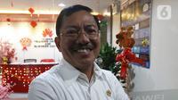 Menteri Kesehatan Terawan Agus Putranto mendatangi kantor Huawei di Wisma BRI 2, Jakarta, Kamis (23/1/2020). BRI menyatakan telah melakukan pengendalian risiko keselamatan bagi pekerja BRI dengan memberikan masker untuk seluruh pekerja Kantor Pusat Bank BRI. (Liputan6.com/Herman Zakharia)