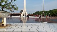 Taman Mini Indonesia Indah (TMII) yang tak luput dari tujuan destinasi masyarakat Ibu Kota yang merayakan Hari Raya Idul Fitri.