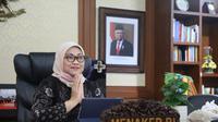 Menaker Ida Fauziyah melakukan halal bihalal  Idullfitri 1441 H secara virtual bersama sekitar 1.000 pegawai Kementerian Ketenagakerjaan Jumát (29/5/2020). (Dok Kemnaker)