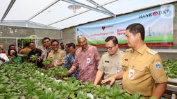 Bank DKI bekerjasama dengan Filantra juga melakukan sosialisasi, pelatihan dan pendampingan program kebun hidroponik kepada peserta dilingkungan Rusunawa dan telah terlaksana di Rusunawa Jatinegara Kaum & Jatirawasari.(Liputan6.com/HO/Budi)