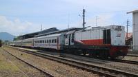 PT KAI Divre II sumbar mengurangi frekuensi perjalanan kereta api di daerah itu